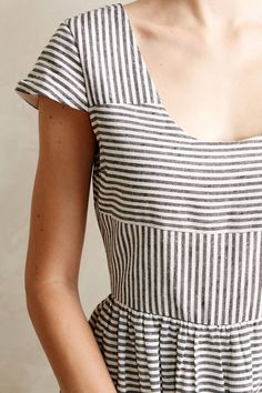 Not really for the right season right now, but I love this idea of alternating the way the stripes go.
