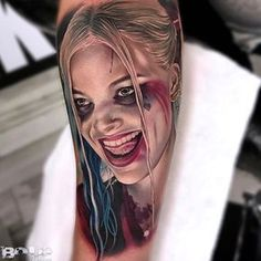 Realistic Harley Quinn portrait done on girls forearm by Bolo, an artist based in Miami, Florida. Wicked Tattoos, Badass Tattoos, Sexy Tattoos, Body Art Tattoos, Hand Tattoos, Sleeve Tattoos, Cool Tattoos, Tatoos, Awesome Tattoo
