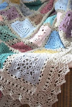 Crochet Edgings Design Lovely blanket and lovely border when you want that little extra lace. Crochet Afgans, Knit Or Crochet, Crochet Crafts, Crochet Baby, Crochet Projects, Blanket Crochet, Crochet Granny, Crochet Throws, Ravelry Crochet