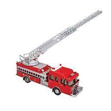 13801 Walthers SceneMaster Heavy-Duty Fire Dept. Ladder Truck  HO Scale