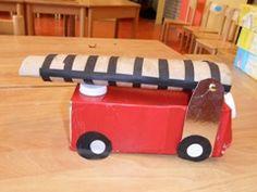Het thema 112 spreekt erg aan en biedt veel mogelijkheden voor spel. Je kunt het thema in het geheel doen maar ook als een apart item: politie of brandweer. Op deze pagina kun je genoeg ideeën vinden. Ontwerpschema en groepsplan Ontwerpschema 112 Ontwerpschema en groepsplan de brandweer Doel van het project Met het thema 112...  Lees meer » Community Helpers, Fire Safety, A Classroom, Fire Trucks, Firefighter, Cool Kids, Arts And Crafts, School, Ambulance