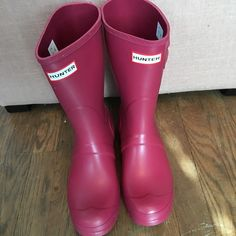 BRAND NEW hunter short boots raspberry Raspberry  MATTE (not gloss) colored hunter short boots size 8 taken out of box solely to take these photos NEVER WORN. NO TRADES. No lowball offers.. I will not model. Hunter Boots Shoes Winter & Rain Boots