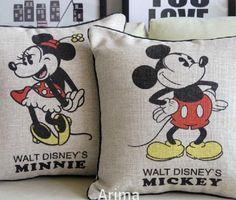 Online Shop Retro Mickey Mouse Cushion Mickey and Minnie Cartoon cushion Pillow for Car Home Decor Sofa cushions Disney Home Decor, Retro Home Decor, Mickey Minnie Mouse, Disney Mickey, Casa Disney, Disney House, Disney Dream, Mickey Mouse Bedroom, Disney Pillows
