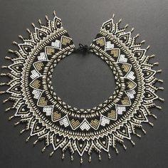 By Arte Embera Beaded Collar, Beaded Lace, Collar Necklace, Beaded Embroidery, Beaded Jewelry, Beaded Necklace, Jewellery, Bead Art, Bead Weaving