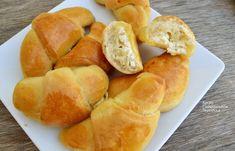 Τυροπιτάκια με φέτα, τα «κρουασάν» της θείας Στασίας! - cretangastronomy.gr Hot Dog Buns, Hot Dogs, Feta, Appetizers, Cooking Recipes, Bread, Samosas, Appetizer