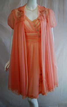 1950s Gotham Peach Peignoir Set.