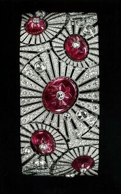 Carved ruby and Diamond Art Deco Bracelet. by ollie Cartier. Carved ruby and Diamond Art Deco Bracelet. Bracelet Cartier, Cartier Jewelry, Ruby Jewelry, Art Deco Jewelry, Bling Jewelry, Antique Jewelry, Vintage Jewelry, Jewelry Design, Ruby Bracelet