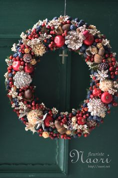 Christmas wreath... Maybe with shells??