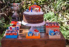 Prestes a completar 4 anos, Guilherme sabia muito bem o que queria para comemorar seu aniversário: aviões e aventura. Essa aqui leva assinatura da Joana E Maria Festas.