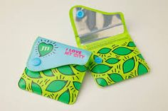 posaceneri da tasca concept creativo gcore dipsonibili in tanti colori, forme, con grafiche personalizzate...  www.gcore.it