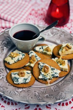So Swedish - ginger biscuits with blue cheese and a drizzle of honey (or logan berry marmelade)