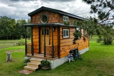 In her blog, Bless This Tiny House, Kim Kasl shares how her family of four inhabits this 267-square-foot-home on wheels. The Kasl family has wholeheartedly embraced the pint-sized lifestyle; recent posts document their savings on heating costs, their kids' pleasure in living there, and their ongoing efforts to edit down their belongings. blessthistinyhouse.com