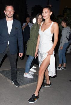 Bella Hadid Night Out in Paris 06/10/2017. Celebrity Fashion and Style | Street Style | Street Fashion