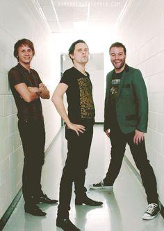 Como cuando Matt debe ir adelante por chaparro, y Chris más atrás para no dejar en ridículo a Matt y a Dom