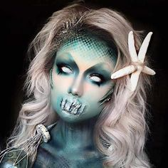 Dive under the sea for 15 frightening and seductiv. Dive under the sea for 15 frightening and seductive mermaids to inspire your scary mermaid makeup and scary mermaid costume this Halloween Creepy Halloween Makeup, Scary Halloween Costumes, Scary Makeup, Halloween Makeup Looks, Sfx Makeup, Halloween 2018, Mermaid Halloween Makeup, Mermaid Costume Makeup, Mermaid Costumes