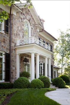 New house facade design traditional porticos ideas Facade Design, Exterior Design, House Design, Exterior Colors, Rustic Exterior, Stone Exterior, Design Hotel, Exterior Paint, Traditional Home Exteriors
