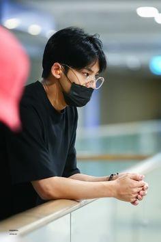 he looks like such a boyfriend im crying 🤧💌 Woozi, Jeonghan, Ulzzang, Hip Hop, Kim Min Gyu, Choi Hansol, Won Woo, Mingyu Seventeen, Meanie