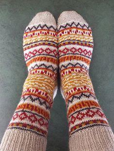Ravelry: Balthazar's Jumper Socks pattern by Kathleen Sperling Fair Isle Knitting, Knitting Socks, Hand Knitting, Crochet Patterns For Beginners, Knitting Patterns Free, Patterned Socks, Sock Yarn, Double Knitting, Knitting Projects