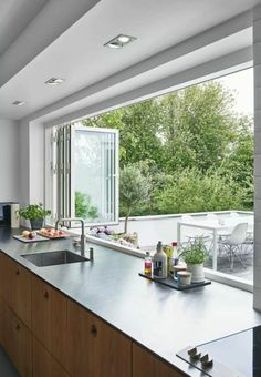 Kochen mit Genuss: Moderne Küche Fenster Ideen - Cooking with Enjoyment: Modern Kitchen Window Ideas - Home Decor Kitchen, Kitchen Interior, Home Interior Design, Home Kitchens, Decorating Kitchen, Patio Kitchen, Kitchen Modern, Interior Modern, Open Kitchen