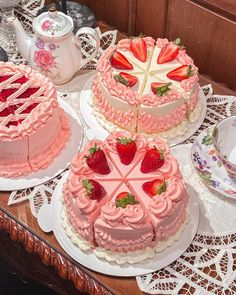 Pretty Birthday Cakes, Pretty Cakes, Cute Cakes, Cute Baking, Kawaii Dessert, Cute Desserts, Cafe Food, Fancy Cakes, Aesthetic Food