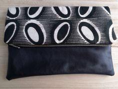 Een persoonlijke favoriet uit mijn Etsy shop https://www.etsy.com/nl/listing/479705159/clutch-avondtas-afrikaanse-stof-batik