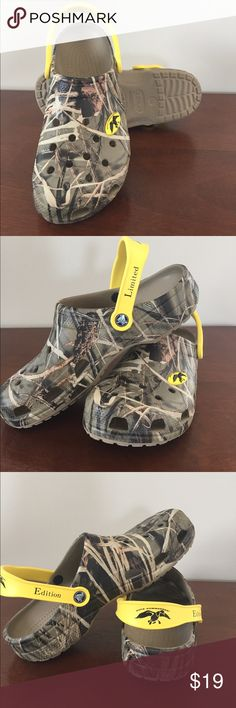 EUC! Limited Edition Duck Commander Crocs EUC! Limited Edition Duck Commander Clogs by Crocs. Realtree camo with the Duck Commander logo on the front and back strap. Size 11 Guaranteed to make your man Happy Happy Happy! CROCS Shoes