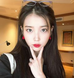 Shared by Mae💋. Find images and videos about kpop, Queen and iu on We Heart It - the app to get lost in what you love. Korean Girl, Asian Girl, Iu Twitter, Korean Actresses, Kpop Fashion, Seulgi, Girl Crushes, Korean Singer, Pretty People