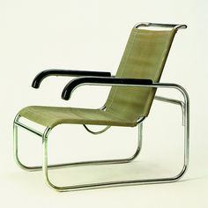 "Marcel Breuer, expo ""Design et architecture"", Palais de Chaillot Mod Furniture, Art Deco Furniture, Steel Furniture, Handmade Furniture, Furniture Design, Bauhaus Furniture, Furniture Chairs, Room Chairs, Chair Design"