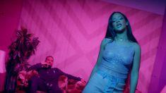 Tutti+gli+outfit+di+Rihanna+in+Work+