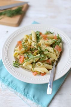 Pasta met boursin en zalm Fish Dishes, Pasta Dishes, Bruschetta, Healthy Pasta Recipes, Food Humor, No Cook Meals, Food Inspiration, Italian Recipes, Dinner Recipes