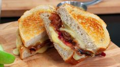 This is a truly gourmet grilled cheese by Chef Joshna! Imagine buttery toasted sourdough sandwiching crisp salty bacon, tangy sweet balsamic onions and softly meltedOka cheese — how decadent is that? It's even better served with some of our Honey. Cheesy Recipes, Baby Food Recipes, Great Recipes, Favorite Recipes, Food Baby, Soup And Sandwich, Sandwich Recipes, Balsamic Onions, Caramelized Onions