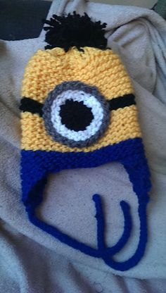 Knit Minion Hat Pattern : Hand Knitted Despicable Me Minion Inspire Hat for Children // Size 2 - 4 Year...