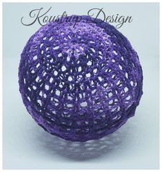 Hæklet Lyskugle – Pavo – Koustrup Design Knit Crochet, Crochet Hats, Cake Boss, Light Bulb, Decorative Bowls, Christmas Bulbs, Knitting, Holiday Decor, Diy