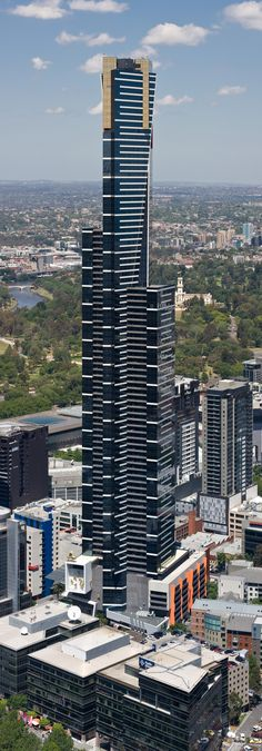 Eureka Tower is a ft) skyscraper located in the Southbank precinct of Melbourne, Victoria, Australia. The project was designed by Melbourne architectural firm Fender Katsalidis Architects and was built by Grocon (Grollo Australia). Australian Architecture, Futuristic Architecture, Contemporary Architecture, Architecture Design, Melbourne Architecture, Amazing Buildings, Modern Buildings, Eureka Tower, High Rise Building