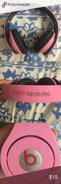 Beats by Dr. Dre Bought from Ⓜ️ One side doesn't play music that I know of. I bought yesterday and I don't want them. It could possibly be fixed. I'm unsure of original price. It didn't come with aux cord, but if you need one I can provide you one. Beats By Dr. Dre Other