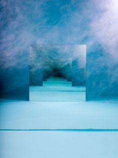 Blue Smoke, mirror art ~Photography by Sarah Meyohas Art Sculpture, Sculptures, Instalation Art, Infinity Mirror, Colossal Art, Mirror Art, Mirror Ideas, Light Art, Oeuvre D'art