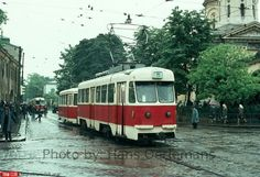 Piaţa Sfânta Vineri Places Worth Visiting, Places To Visit, Capital Of Romania, Dracula, Public Transport, Old Pictures, My Childhood, Beautiful Places, Country