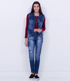 Colete feminino  Com puídos  Marmorizada  Marca: Blue Steel  Tecido: jeans  Composição: 100% algodão  Modelo veste tamanho: P       COLEÇÃO INVERNO 2016     Veja outras opções de    coletes femininos.