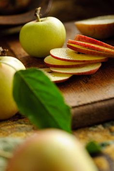 Sliced Apples - new way to slice them, just core out after with a round cookie cutter. Fun to eat, like apple chips!