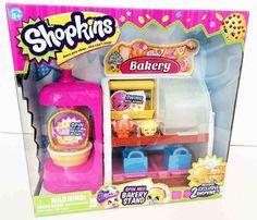 Shopkins ciciBiciler oyun setleri fırın ve manav olmak üzere 2 farklı sortisi bulunur.Tüm Shopkins oyuncakları en ucuz fiyatları ile en büyük fırsat sitesi Bidoludünya.com'da! Her bir kutuda 2 adet özel CiciBici 2 adet Alışveriş Torbası ve 1 adet Koleksiyoncu Broşürü bulunur. Cicibici Oyun setleri birbirleriyle uyumludur, birleştirilebilirler. İçlerinde birçok oyun kızları bulunur!   Yaş: 5+