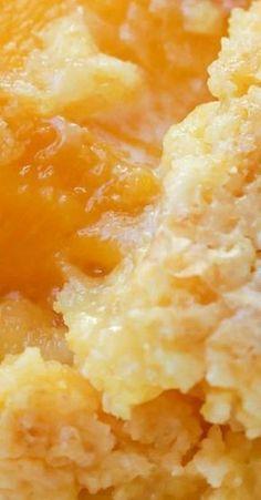 Dump Cake Peach Dump Cake Try with a gluten-free cake mix.Peach Dump Cake Try with a gluten-free cake mix. Köstliche Desserts, Dessert Recipes, Crock Pot Desserts, Homemade Desserts, Health Desserts, Dump Meals, Dump Cake Recipes, Peach Cake Recipes, Recipes With Peaches