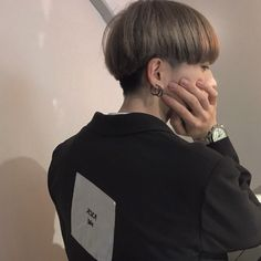 Find images and videos about fashion, cute and hair on We Heart It - the app to get lost in what you love. Cool Haircuts, Haircuts For Men, Shot Hair Styles, Long Hair Styles, Two Block Haircut, Korean Haircut, Kpop Hair, Bowl Cut, Grunge Hair