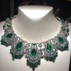 Zambian emeralds, diamonds and paraiba tourmalines. Van Cleef & Arpels.
