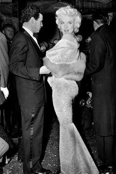 Hollywood Glamour, Classic Hollywood, Old Hollywood, Estilo Beyonce, Marilyn Monroe Fotos, Marylin Monroe Body, Carmen Dell'orefice, East Of Eden, Deneuve