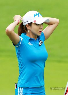 Golf tips, tricks and products Girls Golf, Ladies Golf, Women Golf, Golf Sexy, Indoor Mini Golf, Adidas Golf Shoes, Golf Magazine, Swimming Sport, Golf Player