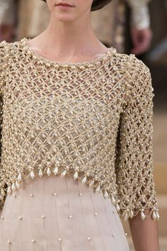 Chanel at Couture Spring 2016 - Livingly View all the detailed photos of the Chanel haute couture spring 2016 showing at Paris fashion week. Read the article to see the full gallery. Chanel from fashionising Crochet Bolero, Crochet Tunic, Crochet Clothes, Crochet Lace, Chanel Couture, Fashion Week Paris, Runway Fashion, Womens Fashion, Fashion Weeks