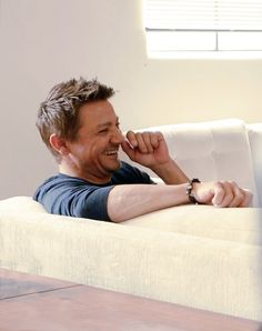 """""""I don't really watch TV. I don't read books for entertainment, either. Look, I live in entertainment.""""- Jeremy Renner"""