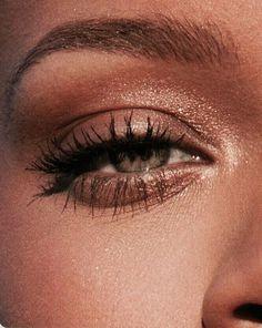 smoky eyes, bold lipstick and n . - smoky eyes, bold lipstick and nail art. Beautiful, natural make-up, make-up idea … – # bo - Makeup Trends, Makeup Inspo, Makeup Inspiration, Makeup Ideas, Makeup Tutorials, Makeup Art, Makeup Style, Dior Makeup, Makeup Hacks