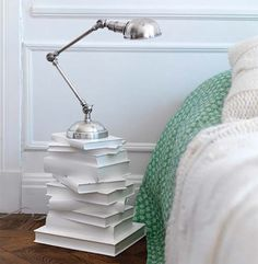 Creative ways to reuse and recycle old books - decoration house DiyCreative ways to reuse and recycle old books cork crafts lamp furniture wall design Best of recycling - 75 upcycling ideas that Reuse Recycle, Upcycle, Reduce Reuse, Diy Casa, Recycled Books, Recycled Windows, Stack Of Books, Diy With Books, Books As Decor