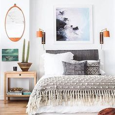 We love the work of the insanely talented @amberinteriors over here--her fresh, beachy boho sensibility is all heart eyes. And yes-we spy #thenewbohobook down there! Thank you sweet Amber! (Photo by @tessaneustadt )